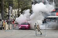 Springmeet 2019, Östersund - 18 MAJ 2019: Burnout-boxen på parkeringen vid badhuset. (Foto: Per Danielsson/Projekt.P ) <br /> <br /> Nyckelord Keywords: Springmeet 2019, Crusing,