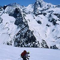 SKIING, Swiss Alps, Jay Jensen (MR) descends Pigne d'Arolla, Haute Route.