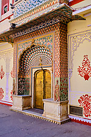 Inde, Rajasthan, Jaipur la ville rose, le City Palace, le Pitam Niwas Chowk, la porte des Lotus // India, Rajasthan, Jaipur the Pink City, the City Palace, the Pitam Niwas Chowk, the Lotus door