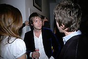 Tom Meighan from Kaspian,  Exhibition of photographs by NME photographer Lawrence Watson. Studio 2. Redchurch St. London. 26 April 2007.  -DO NOT ARCHIVE-© Copyright Photograph by Dafydd Jones. 248 Clapham Rd. London SW9 0PZ. Tel 0207 820 0771. www.dafjones.com.