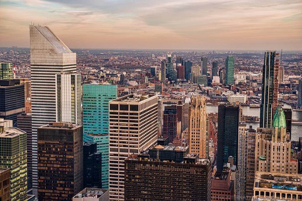 Midtown Manhattan (foreground) & Long Island City, Queens (background)