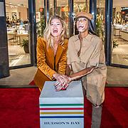 NLD/Amsterdam/20170919 - Opening Hudson Bay Nederland, Doutzen Kroes en Winnie Harlow