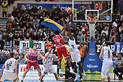 DESCRIZIONE : Trento Lega A 2015-16 Dolomiti Energia Trentino - Consultinvest Pesaro<br /> GIOCATORE : Julian Wright<br /> CATEGORIA : Ritardo<br /> SQUADRA : Dolomiti Energia Trentino - Consultinvest Pesaro<br /> EVENTO : Campionato Lega A 2015-2016 <br /> GARA : Dolomiti Energia Trentino - Consultinvest Pesaro<br /> DATA : 08/11/2015 <br /> SPORT : Pallacanestro <br /> AUTORE : Agenzia Ciamillo-Castoria/Giulio Ciamillo<br /> Galleria : Lega Basket A 2015-2016 <br /> Fotonotizia : Trento Lega A 2015-16 Dolomiti Energia Trentino - Consultinvest Pesaro