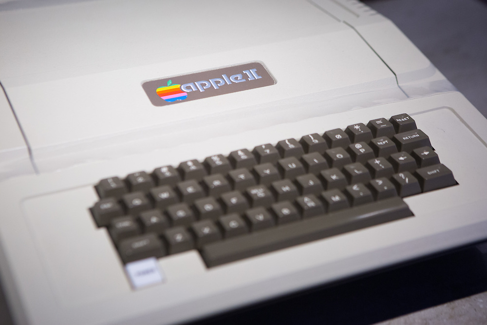 The Apple 2 computer<br /> Copyright 2015 John O'Boyle<br /> john@johnoboyle.com