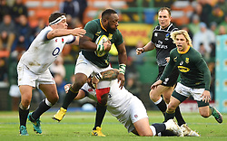Cape Town-180623- Springbok player Tendai Mtawarira tackled by of England  in the last game of the Castle Lager Test between Springboks and England at Newlands Stadium photographer:Phando Jikelo/African News Agency/ANA