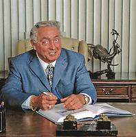 portrait of Carl DeSantis