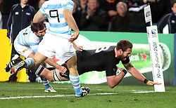 © Andrew Fosker / Seconds Left Images 2011 - New Zealand's Kieran Read dives in to score a try and settle All Black nerves - New Zealand All Blacks v Argentina - Rugby World Cup 2011 - Quarter Final - Eden Park - Auckland - New Zealand - 09/10/2011 -  All rights reserved..
