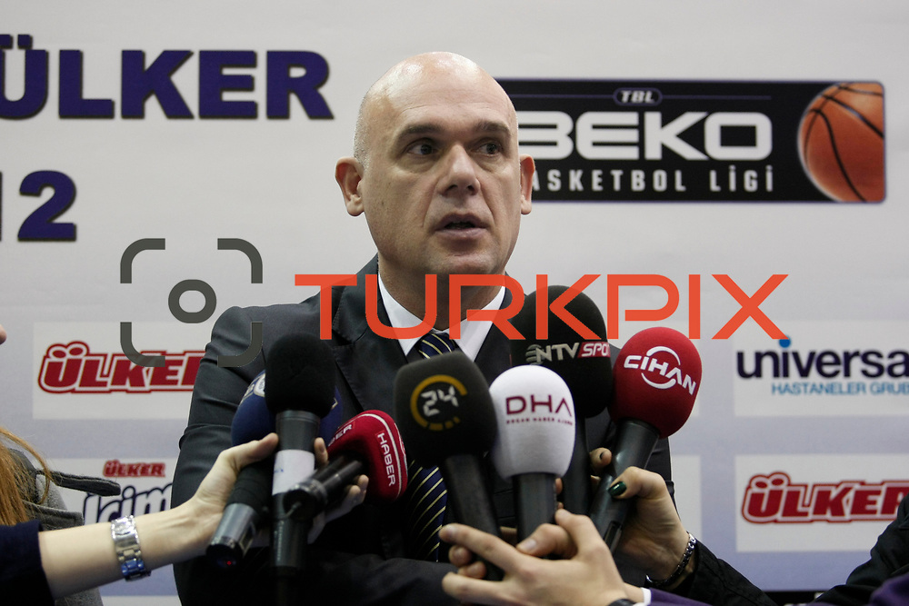 Fenerbahce Ulker's coach Neven Spahija during their Turkish Basketball league derby match  Fenerbahce Ulker between Anadolu Efes at Caferaga Sports Hall in Istanbul, Turkey, Saturday 01, 2012. Photo by TURKPIX