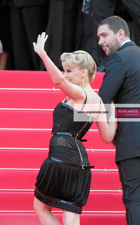 Kylie Ann Minogue - - Festival de Cannes - Montée des marches pour le film Ocean 13 - 24/05/2007 - JSB / PixPlanete
