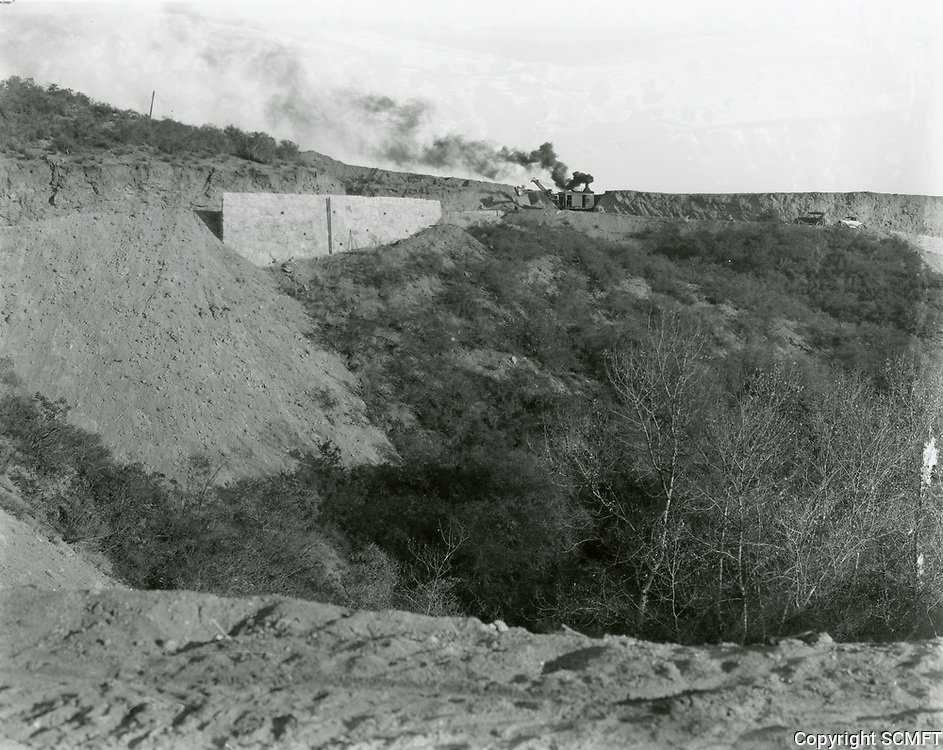 1924 Grading roads at Hollywoodland in the Hollywood hills.