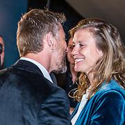 NLD/Amsterdam/20170328 - Uitreiking Tv Beelden 2017,  Waldemar Torenstra en partner Sophie Hilbrand
