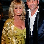 NLD/Amsterdam/20111029- JFK Greatest Man Award 2011, Conny Breukhoven en Eric Kusters