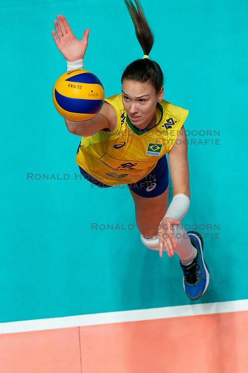 29-05-2019 NED: Volleyball Nations League Poland - Brazil, Apeldoorn<br /> Roberta Silva Ratzke #9 of Brazil