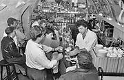 Nederland, Nijmegen, 15-5-1988Het bierkeldertje aan de Grote Markt in de nijmeegse binnenstad . Uitbater Rob Seveke .Foto: Flip Franssen