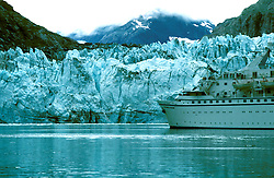 AK: Glacier Bay National Park, Alaska, Margerie Glacier    .Photo Copyright: Lee Foster, lee@fostertravel.com, www.fostertravel.com, (510) 549-2202.Image: akglac209