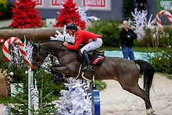 SCHWIZER Pius (SUI), Balou Rubin R<br /> Genf - CHI Geneve Rolex Grand Slam 2019<br /> Prix des Vins de Genève<br /> Internationales Springen Fehler/Zeit<br /> International Jumping Competition 1m45<br /> Table A: Against the Clock<br /> 12. Dezember 2019<br /> © www.sportfotos-lafrentz.de/Stefan Lafrentz
