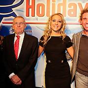 NLD/Eindhoven/20111202- Premiere Holiday on Ice show Tropicana, Michael Boogerd en Dary Nucci met de ouders van Michael