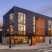 Seattle home by Click Architects and Sound Point Realty