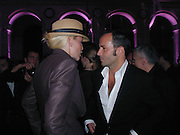 Nadja and Tom Ford. YSL perfume launch hosted by Tom Ford. Palais Brongniart, Place de la Bourse. Paris. © Copyright Photograph by Dafydd Jones 66 Stockwell Park Rd. London SW9 0DA Tel 020 7733 0108 www.dafjones.com