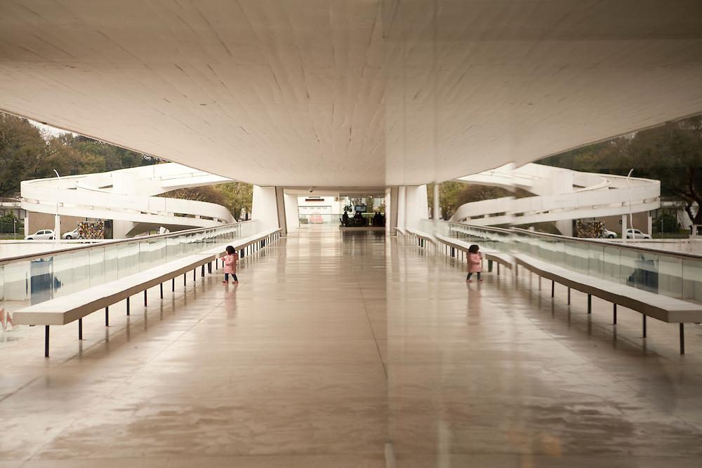Curitiba_PR, Brasil.<br /> <br /> MON (Museu Oscar Niemeyer) em Curitiba, Parana.<br /> <br /> MON (Oscar Niemeyer Museum) in Curitiba, Parana.<br /> <br /> Foto: LUIZ FELIPE FERNANDES / NITRO