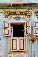 Inde, Etat de Gujarat, Ahmedabad, classé Patrimoine Mondial de l'UNESCO, vielle ville, quartier des 600 pol avec cour commune, haveli // India, Gujarat, Ahmedabad, Unesco World Heritage city, old city with wooden house