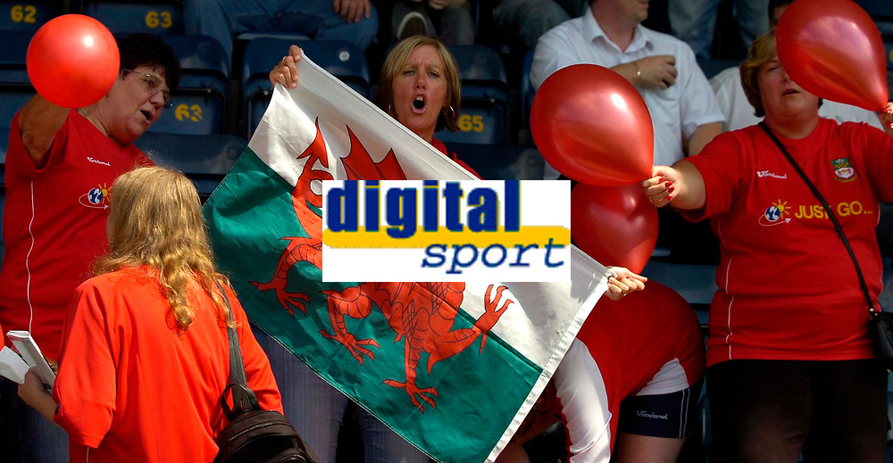 Photo: Alan Crowhurst.<br />Wycombe Wanderers v Wrexham. Coca Cola League 2.<br />05/08/2006. Wrexham fans.