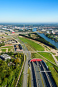 Nederland, Utrecht, Leidsche Rijn, 30-09-2015; zuidelijk ingang van de Leidsche Rijntunnel, Rijksweg 2 (A2) bij Leidse Rijn. Rechts Amsterdam-Rijnkanaal.<br /> Entrance land tunnel for motorway A2 and Hooggelegen junction near Utrecht.<br /> <br /> luchtfoto (toeslag op standard tarieven);<br /> aerial photo (additional fee required);<br /> copyright foto/photo Siebe Swart