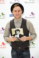 OCT 29 2012 Olly Murs book signing
