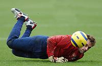 Photo: Javier Garcia/Back Page Images Mobile +447887 794393<br />Arsenal FC UEFA Champions League Training, London Colney, 06/12/04<br />Manuel Almunia
