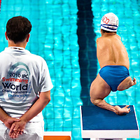 Nederland, Eindhoven, 19-08-2010.<br /> Zwemmen, Internationaal, IPC Swimming World Championships.<br /> Cristopher Tronco uit Mexico heeft nog maar één ledemaat en zet zich met dat ene been af bij de start tijdens de finale van de 50 meter schoolslag.<br /> Foto : Klaas Jan van der Weij
