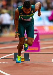 London, 2017 August 07. Wayde van Niekerk, South Africa, in the men's 200m heats on day four of the IAAF London 2017 world Championships at the London Stadium. © Paul Davey.