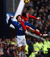 Fotball<br /> Premier League 2004/05<br /> Everton v Liverpool<br /> 11. desember 2004<br /> Foto: Digitalsport<br /> NORWAY ONLY<br /> JOSEMI LIVERPOOL & KEVIN KILBANE EVERTON