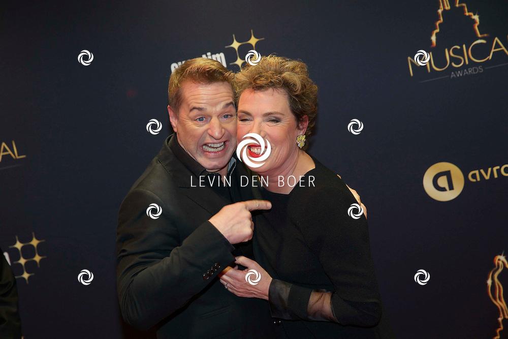 UTRECHT - In het Beatrix Theater  zijn de AvroTros Musical Awards 2015 uitgereikt. Met hier op de foto  Tony Neef en Raymonde de Kuyper. FOTO LEVIN DEN BOER - PERSFOTO.NU