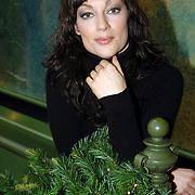 """NLD/Amsterdam/20061213 - Persconferentie SBS6 """" Grumpy Old Woman """", deelneemster Miryanna van Reeden"""