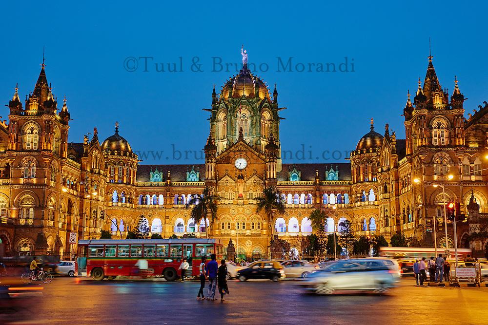 Inde, Maharashtra, Mumbai (Bombay), gare Victoria Terminus ou Chhatrapati Shivaji // India, Maharashtra, Mumbai (Bombay), Victoria Terminus railways station or  Chhatrapati Shivaji