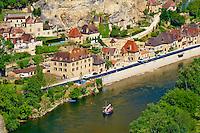 France, Aquitaine, Dordogne (24), Perigord Noir, vallee de la Dordogne, La Roque-Gageac, labellise Les Plus Beaux Villages de France // France, Aquitaine, Dordogne, Perigord Noir, Dordogne valley, La Roque-Gageac, Village on the banks of the Dordogne