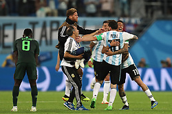 SAINT PETERSBURG, June 26, 2018  Players of Argentina celebrate victory after the 2018 FIFA World Cup Group D match between Nigeria and Argentina in Saint Petersburg, Russia, June 26, 2018. Argentina won 2-1 and advanced to the round of 16. (Credit Image: © Yang Lei/Xinhua via ZUMA Wire)