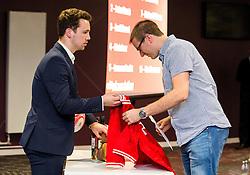 - Mandatory byline: Robbie Stephenson/JMP - 26/04/2016 - FOOTBALL - Ashton Gate - Bristol, England - Players Q&A