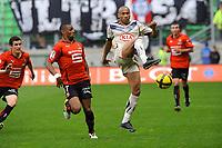 FOOTBALL - FRENCH CHAMPIONSHIP 2010/2011 - L1 - STADE RENNAIS v GIRONDINS BORDEAUX - 30/04/2011 - PHOTO PASCAL ALLEE / DPPI - JUSSIE (BOR) / YANN MVILA (REN)