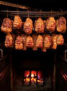 Tradycyjne wędzenie mięsa i wędlin