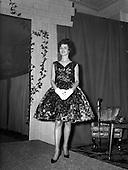 1961 - Roche's Stores fashion show preview