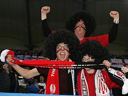 12.05.2010, Hamburg Arena, Hamburg, GER, UEFA Europa League Finale, Atletico Madrid vs Fulham FC, im Bild Fulham's fans soak the atmosphere, EXPA Pictures © 2010, PhotoCredit: EXPA/ IPS/ Marcello Pozzetti / SPORTIDA PHOTO AGENCY