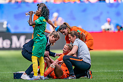 15-06-2019 FRA: Netherlands - Cameroon, Valenciennes<br /> FIFA Women's World Cup France group E match between Netherlands and Cameroon at Stade du Hainaut / Jackie Groenen #14 of the Netherlands, Gabrielle Aboudi Onguéné #7 of Cameroon, Daniëlle van de Donk #10 of the Netherlands