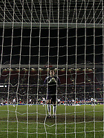 Photo: Paul Thomas.<br /> England v Spain. International Friendly. 07/02/2007.<br /> <br /> Ben Foster, new England keeper walks into position at kick-off.