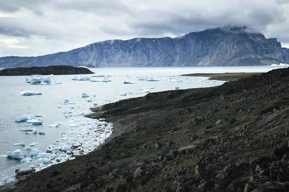 Crossing Peninsulas of Uummannaq Fjord