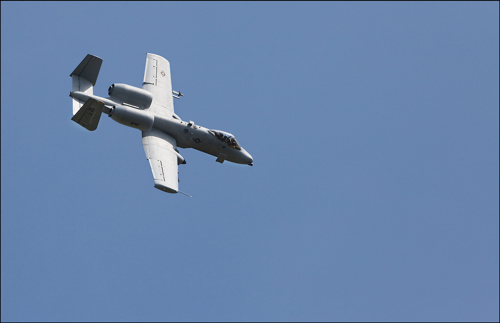 Flyby A-10 Warthog at the Smokey Hill Range in Salina, Kansas that was at the Smokey Hill Open House hosted by the National Guard.