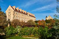 France, Bourgogne-Franche-Comté, Yonne (89), Sens, college Montpezat // France, Burgundy, Yonne, Sens, Montpezat school