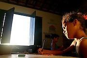 Lencois_BA, Brasil...Criancas em atividade de aula em uma  escola publica em Lencois, Bahia...Children in the classroom in a public school in Lencois, Bahia...Foto: LEO DRUMOND / NITRO.