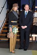 Princess Máxima 11 April 2006 at opening tentoonstelling letters Anne Frank. Her royal highness princess Máxima of the The Netherlands attends Tuesday afternoon 11 April in the Amsterdam historical museum the opening of the exibition ' Anne Frank - its life in letters '.<br /> <br /> Prinses Máxima 11 april 2006 bij opening tentoonstelling brieven Anne Frank .<br /> Hare Koninklijke Hoogheid Prinses Máxima der Nederlanden woont dinsdagmiddag 11 april in het Amsterdams Historisch Museum de opening bij van de tentoonstelling 'Anne Frank - haar leven in brieven'. <br /> <br /> Op de foto / On the photo:<br /> <br /> <br />  Princess Maxima