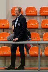 26-10-2019 NED: Talentteam Papendal - Sliedrecht Sport, Ede<br /> Round 4 of Eredivisie volleyball - Support, Coach Redbad Strikwerda of Dynamo